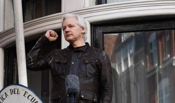 2002-Assange2.jpg