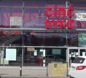 Le CIP43 occupe le Ciné Dyke