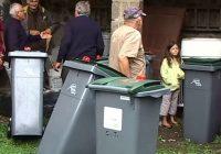 Goudet (Haute-Loire) : on rend les poubelles 08/08/2013